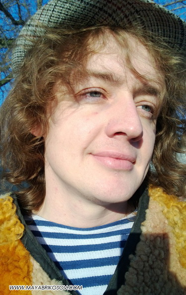 Май Абрикосов— Интернет-реалити «Продюсер в шкуре хомяка». 4 серия