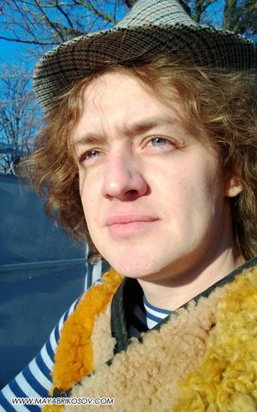 Май Абрикосов— Интернет-реалити «Продюсер в шкуре хомяка». 5 серия