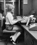 Фото у секретарши под юбкой – Какими были секретарши в прошлом (35 фото) » Триникси